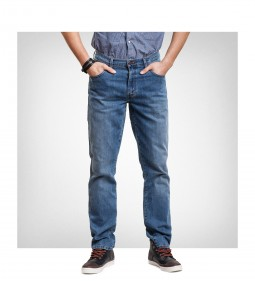 "Wrangler W121 ""Texas Stretch"" Tough Mid - DENIM PERFORMANCE"