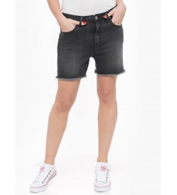 "Lee ""Boyfriend Short"" Black Worn"