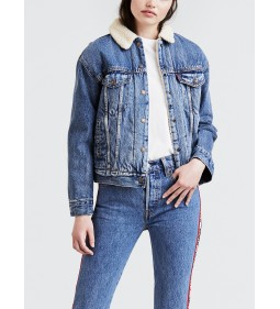 """Levi's """"Ex-Bf Sherpa Trucker"""" Addicted To Love"""