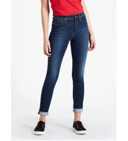 "Levi's ""721 High Rise Skinny"" Up For Grabs"